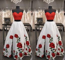 $enCountryForm.capitalKeyWord Australia - Fashion Red and White 2 Pieces Prom Party Dresses Printed Rose Flowers Corset Floor Length Satin Ruched Evening Formal Dress Long Cheap
