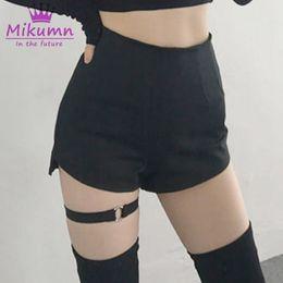 fc94898ab7 2019 Mujeres Del Verano Shorts Shorts Chic Anillo Liguero Cintura Alta  Gótico Negro Shorts Chicas Arnés Cinturón de Muslo Sexy Punk XS-XL