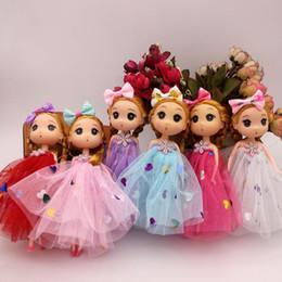 Multi Farben Schöne Große Augen Mädchen Puppe 18 CM Kleid Rock Puppen Halter Tasche Auto Styling Spielzeug Prinzessin Meerjungfrau puppe
