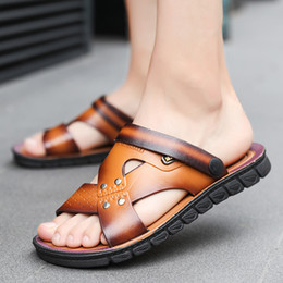famous slippers 2019 - Casual Famous Brand 2019 Hot Sale Men Sandals Shoes Slippers Summer Flip Flops Beach Men Shoes Leather Sandalias Zapatos