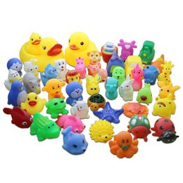 $enCountryForm.capitalKeyWord Australia - 1000pcs lot Cute Mixed Random Animals Soft Rubber Float Squeeze Sound Squeaky Bathing Toys Baby Water Spraying Tool Bath Toy