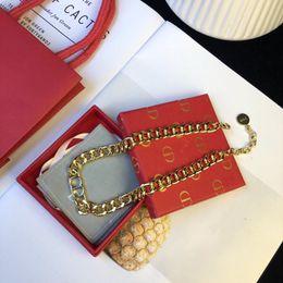 Großhandel heiße Art und Weise der Luxuxschmucksacheentwerferhalskette für hängende Halskette des Frauentitanstahlklees geben vom Verschiffen frei 0222