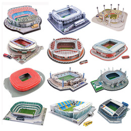 venda por atacado Clássico Puzzle Jigsaw DIY 3D World Football Stadium Europeu Parque de Futebol montado Edifício Modelo enigma Brinquedos para Crianças Y200413