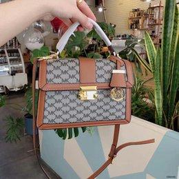 $enCountryForm.capitalKeyWord Australia - High Quality Backpack New Men And Women Shoulder Bags Unisex Formal Crossbody Bag Clutch Wallet Handbags Waist Bags Totes015