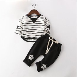 Wholesale good quality children boys clothing set autumn bebe girls cotton Spring Autumn Baby Boys Sport Suits striped O neck coat