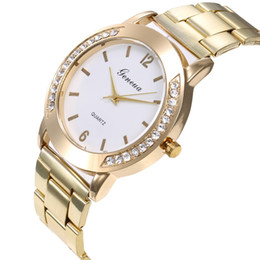 $enCountryForm.capitalKeyWord UK - Fashion Casual Lady Golden diamond-embedded watches 42mm Women Lady Watches Quartz Analog Wrist Watches stainless steel band Design