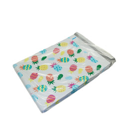 Venta al por mayor de Bolsas de correo de piña Patrón blanco Envoltorios de plástico Auto sellado Bolsas de sobres de plástico 26x33cm Bolsa de regalo