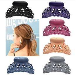$enCountryForm.capitalKeyWord Australia - New Arrival Hairdress For Women Scrub Black Plastic Hair Claw Clips Hollow Out Carving Crab For Hair Large Size Clamps