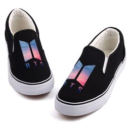 $enCountryForm.capitalKeyWord Australia - Hot Sale-Fashion K-POP Music Star Printed Canvas Shoes Mens Boys Casual Slip On Korea-Pop Design Students Board Shoes Tenis Flat Loafers