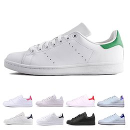 2019 adidas Stan Smith Shoes New adidas superstar Shoes chaussures Pas Cher Femmes Hommes Casual Baskets En Cuir Superstars Skateboard Punching Blanc