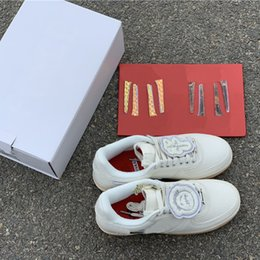 6746bb3b51 US5-13 Travis Scott One Chaussures Blanches SB Travis 3 M Reflect Blzers  Concepteur Unisexe