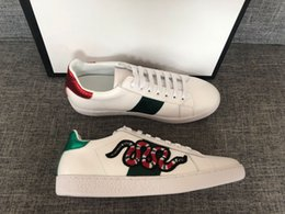 tiger sneakers Australia - Discount Lady Fashion Womens Casual Shoes Italy Designer Sneakers Shoes Leather Top Quality Green Red Bee Embroidered Black Tiger 35-46 t04