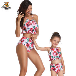 c784c15f9c Matching Family Look Swimsuit Mother Daughter Clothes Women Girl Bikini Set  Mommy And Me 2019 Summer Beach One Piece Swimwear Y19051103
