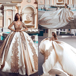 Wholesale New Ball Gown Corset Wedding Dresses Said Gold Appliques Princess Sheer Scoop Neck Long Sleeves Appliqued Bridal Gowns Formal Chapel Train