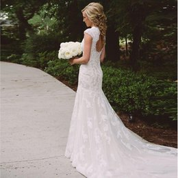 outdoor bridal gowns 2019 - Cheap Romantic Wedding Dress Lace 2019 Modest Country V Neck Keyhole Back Vintage Bridal Dresses Cap Sleeves Outdoor Bri