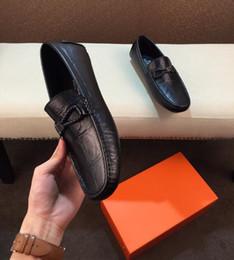 $enCountryForm.capitalKeyWord Australia - Brand Men Women cow leather Low Heel Dress suit shoe Slip-On Metal Buckle Moccasins Flats Casual embroidery Bee Print Horsebit Loafers,38-44