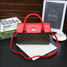 Patchwork Plaid Handbags Australia - Classic Flap bag women's Plaid Chain bag Ladies badge Handbag Fashion designer purse Shoulder Messenger bags High quality purse wallets B028