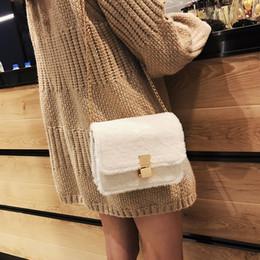 $enCountryForm.capitalKeyWord Canada - Women Casual Trend Handbags Women Bags Designer Female Solid Color Cute Shoulder Bag Versatile Messenger Bag Plush Chain NEW