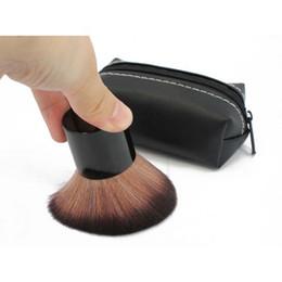 Round plastic haiR bRushes online shopping - Professional Round Rouge Blush Brush Makeup Powder Honey Makeup Brush Set Cosmetic Tools Set With Bag RRA2370