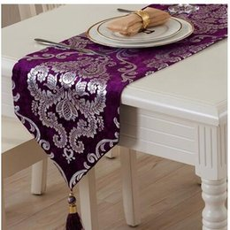 Wholesale upscale bedding resale online - Upscale European table flag Luxury classical fashion table coffee cloth TV cabinet side Shoe cover towel bed flag