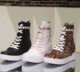 $enCountryForm.capitalKeyWord Australia - 2019 short boots in autumn and winter Leather laces for and women shoes with Designer Fashion Martin boots Casual Sports shoes vv7