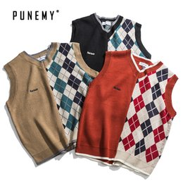 Wholesale red sweater vest men resale online – Men Vest Sweaters Sleeveless Retro Argyle Pattern Acrylic V neck Hip Hop Streetwear Harajuku Autumn New Men s Pullover Sweaters