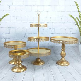 Wholesale 4pcs set Beautiful Tray tier Cupcake Dessert Display Decoration Tools Wedding Crystal Mirror Cake Stand Set