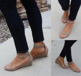Wholesale Women Summer Sandals Word Buckle Beach Outdoor Holiday Wedges Khaki Black Simple Fashion New Shoe Hot Sale 30sl D1