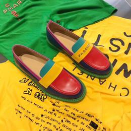$enCountryForm.capitalKeyWord Australia - BOX Designer women pharrel Flat soled casual shoes Authentic cowhide Metal buckle Ladies shoes Genuine leather Men women Trample Lazy shoes