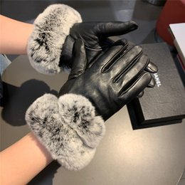 leather packaging box Australia - Luxury Golf Gloves Genuine Leather Women Gloves Cashmere Fur Mitten Women Black Vintage Gloves With Box Package