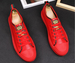 Men Dressed Red Shoe Australia - New arrival Embroidery red black bees platform Casual shoes flat high shoes designer male graduation dress shoes for man