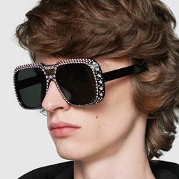 2019 yeni moda kutusu güneş gözlüğü noktası elmas güneş gözlüğü kişilik Avrupa ve Amerika sınır ötesi eğilim güneş gözlüğü indirimde