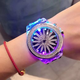 Wholesale Hot style luxury watch fashion watch ladies luxury band with diamond watch with its own dazzling lights