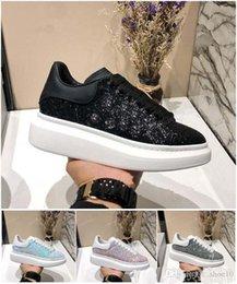 New Designer Comfort diamante de cristal Sapatilhas de couro Casual Shoes Men Womens Sneakers extremamente durável tamanho Estabilidade 35-45 com caixa M5 venda por atacado