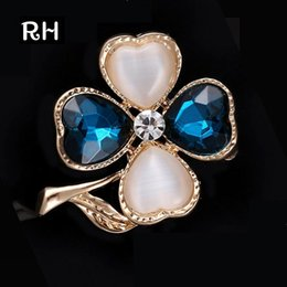 Gold hijab pins online shopping - Elegant lucky Clovers Blue Crystal Brooches for women men wedding party jewelry Heart opal Brooches broches mujer hijab pins