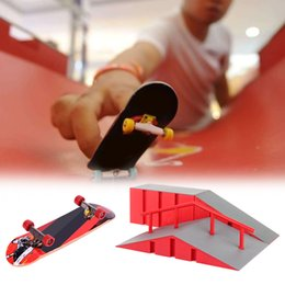 finger skateboard games NZ - Indoor Mini Ramp Training Gift DIY Extreme Sports Kids Toy Play Alloy Finger Skateboard Park Set Game Educational Combination