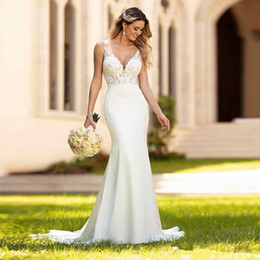 Wholesale v neck t shirts color for sale – custom Lace Mermaid Boho Wedding Dresses V Neck Tulle Appliques Sweep Train Backless Wedding Bridal Gowns vestidos de noiva With Buttons