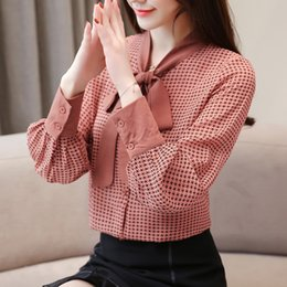 $enCountryForm.capitalKeyWord Australia - Vintage OL Shirts Bow Plaid Chiffon Shirt Fashion Tops Bow Lanter Sleeve Long Sleeve Blouse New Autumn Women Blouses Z2030
