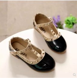 $enCountryForm.capitalKeyWord Australia - 2018 NEW spring girls brand for baby stud shoes children nude sandal toddler summer shoe black white flats party shoe