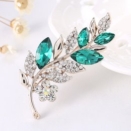 Wholesale Suits Party Australia - Fashion Cute Rhinestone Crystal Leaf Brooch Suit Shirt Coat Collar Pins Woman Weddings Party Banquet Brooch