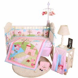 Wholesale best selling applique baby bedding set