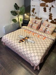 Großhandel Branded Warm Baumwolle Bettwäsche-Set Mode 4 Stück Blatt Bettbezug 2 Kissen- Heimtextilien Bunte Tröster Bettwäsche Queen Size