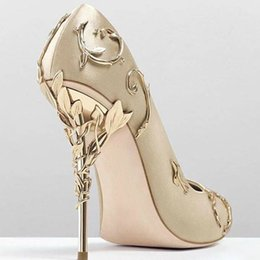 $enCountryForm.capitalKeyWord NZ - Luxury Stunning Pointed Toe Satin High Heels Ornamental Filigree Leaves Brial Dress Wedding Shoes. Woman Metallic Spiralling Eden Heel Pumps