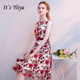 It s YiiYa Cocktail Dress 2018 Sleeveless Embroidery Party Floral Prints Fashion  Designer Elegant Short Cocktail Gowns LX1080 D19011501 aa3a6db4d7ba