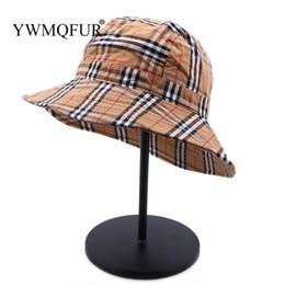Vente en gros Treillis plat chapeau de seau pour les femmes loisirs écran solaire bassin chapeau pêcheur style britannique checkered pêche Bob Beach Playa