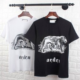 Men Wearing Women Clothes Australia - 2019 Europe Street wear black white Men Women T-shirt New Hip Fashion Brand Animal print t-shirt tops male Female Short Sleeve Mens Clothing