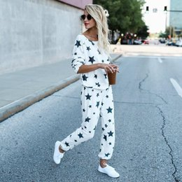 ladies leisure tracksuits Canada - Women Sets Casual Star Printed Leisure Suit Fashion Lady Tops And Long Pants 2 Pieces Set Women Tracksuit Streetwear Ws2900o