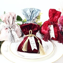 $enCountryForm.capitalKeyWord UK - New Velvet Gift Bag With Thanks Card & Fringed Wedding Favors And Gift Box Candy Boxes For Wedding Baby Shower Party Supplies J190706