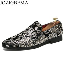 $enCountryForm.capitalKeyWord Australia - JOZIGBEMA Men Loafer Shoes Trendy Embroidery Nubuck Leather Slip-on Loafers Vintage Style Men Driving Casual Blue Flat Shoes