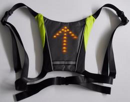 Vente en gros USB vélo vélo réfléchissant gilet vélo sac à dos LED sécurité sans fil Turnning Signal Lumière gilet pour équitation de nuit guide